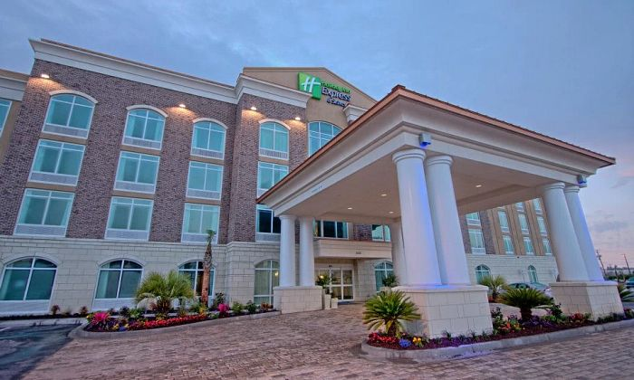 Holiday Inn Express & Suites- Charleston Airport & Convention Center