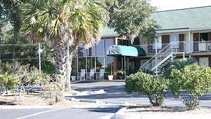 Creekside Lands Inn