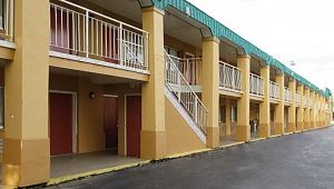 Quality Inn Charleston Gateway