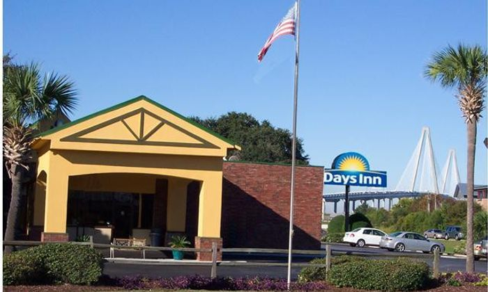 Days Inn - Patriots Point