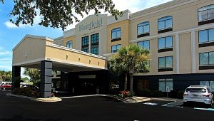 Fairfield Inn and Suites By Marriott Airport/Convention Center