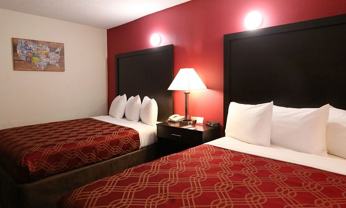 Econo Lodge Inn & Suites - Greenville